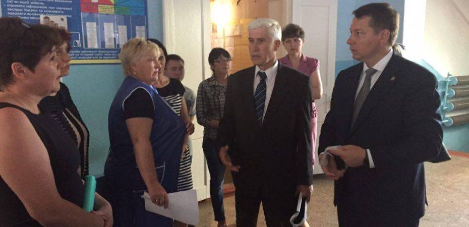 Найбільша школа Нововоронцовського району засяє по-новому
