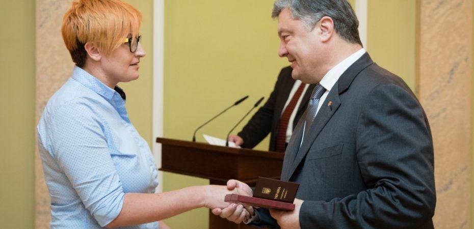 Повернення української мови в українські медіа ваша заслуга – Президент привітав журналістів з професійним святом