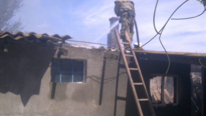 У Нижньосірогозькому районі вогнеборці загасили пожежу у житловому будинку
