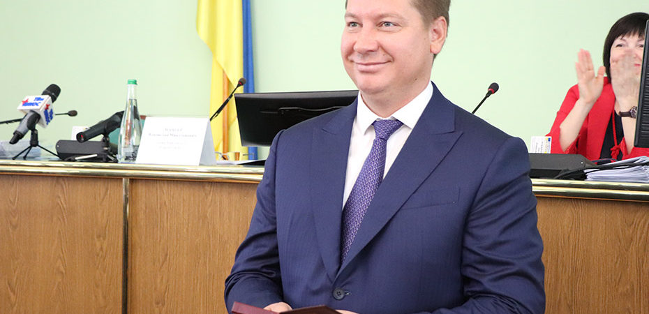 Андрій Гордєєв вручив нагороди на сесії обласної ради