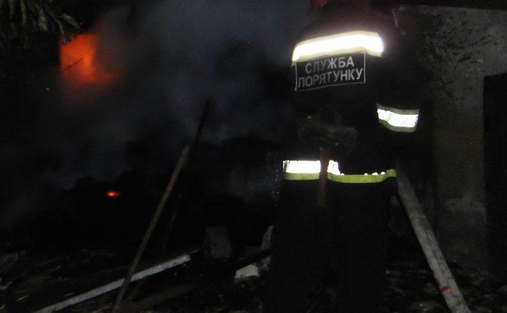 У Нововоронцовському районі пожежні загасили будинок площею 120 кв.м