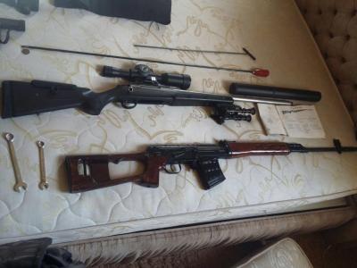 На Херсонщині прикордонники спільно з Національною поліцією виявили 8 осіб та арсенал зброї