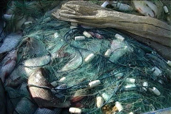 Протягом доби Бердянські прикордонники в акваторії Азовського моря припинили 2 факти браконьєрства та виявили безгосподарське майно