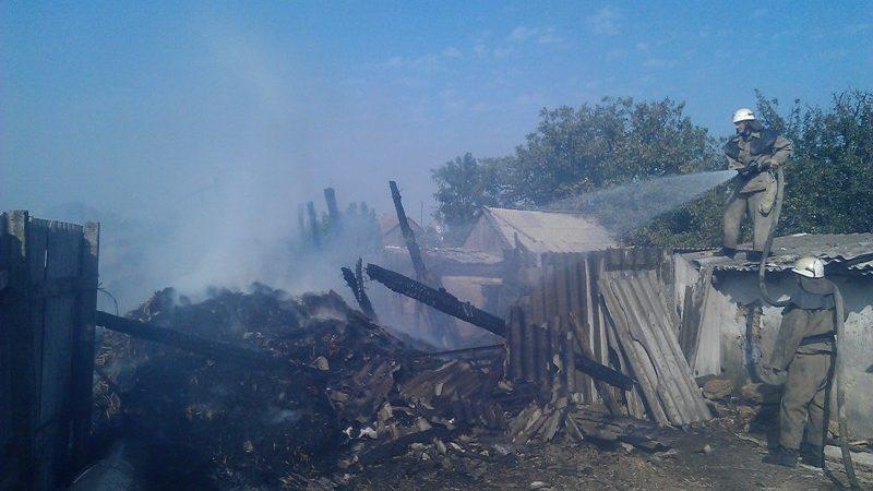 Вогнеборці ліквідували пожежу сінника з соломою