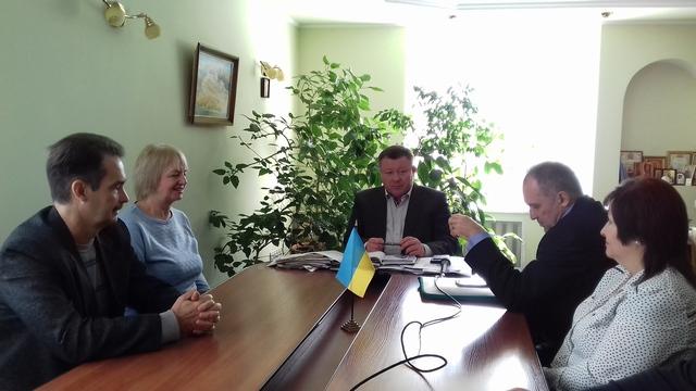 """До Департаменту охорони здоров'я Херсонської облдержадміністрації завітали представники фундації """"Громадський рух """"Українці проти туберкульозу"""""""