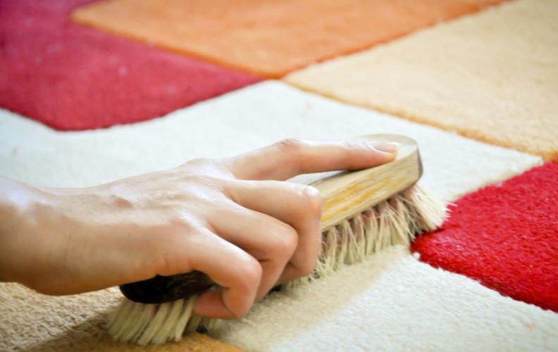 Сухая чистка ковров домашними средствами