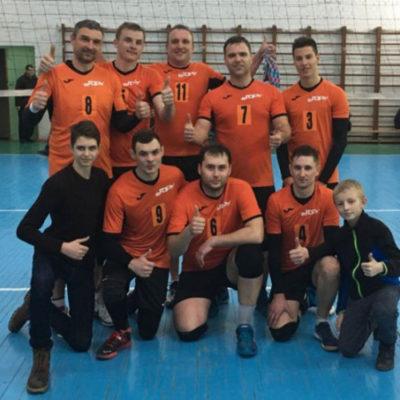 Волейбольная команда «Вгору» выигрывает мужской турнир
