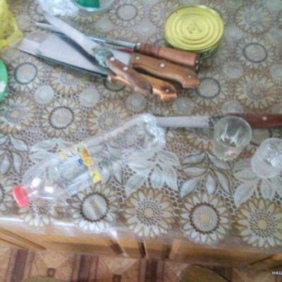 Житель Нової Каховки прийняв друга за зловмисника і вдарив його ножем