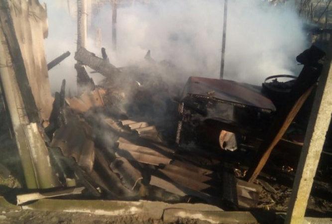 У Голопристанському районі від сухостою загорівся сарай