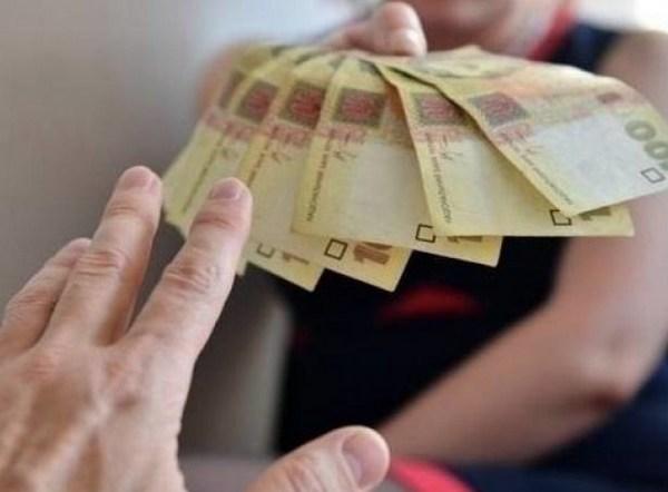 Круглую сумму заплатит предприниматель за нелегальных работников