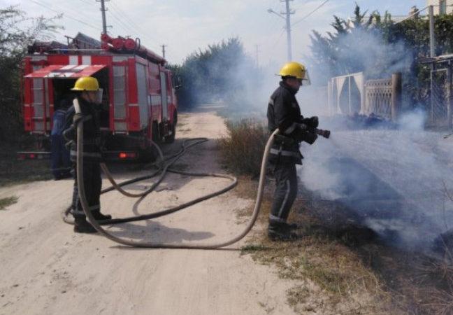 Рятувальники Херсонщини ліквідували 21 пожежу сухої рослинності та сміття