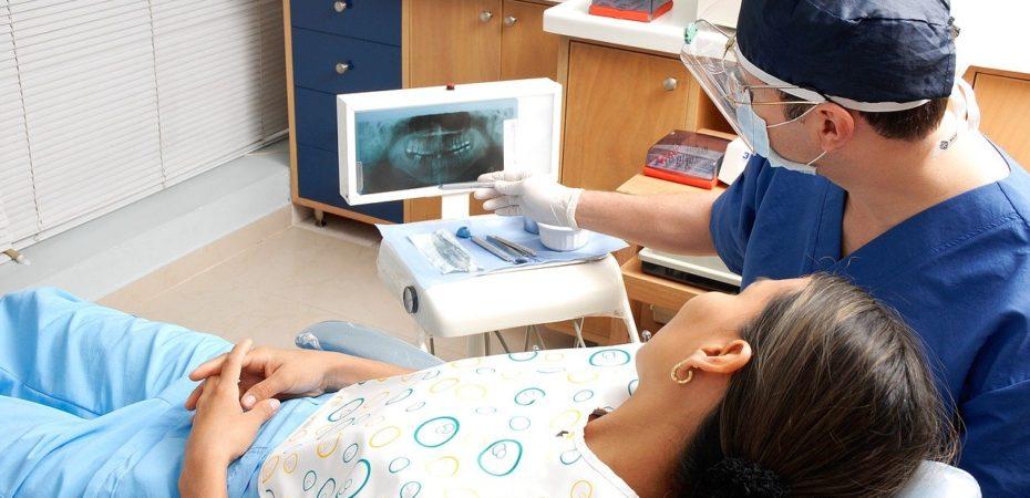 Лечение зубов под микроскопом – современный подход в решении сложных задач