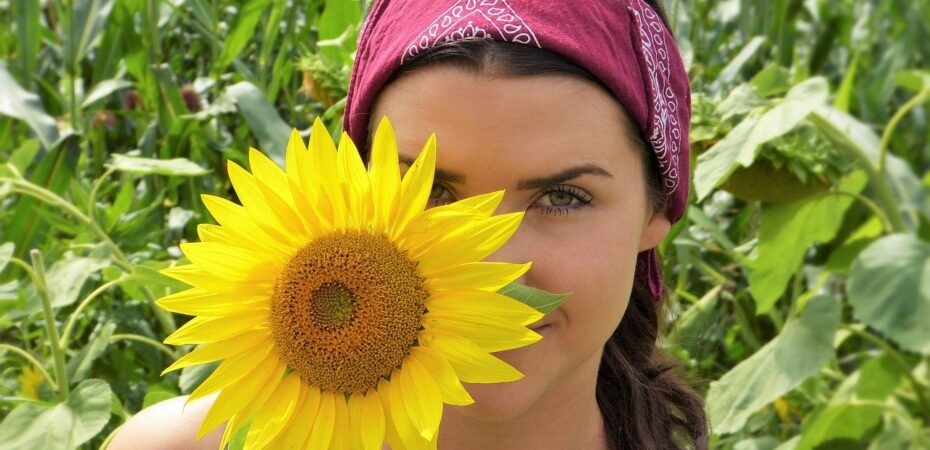 Як правильно доглядати за проблемною шкірою обличчя?