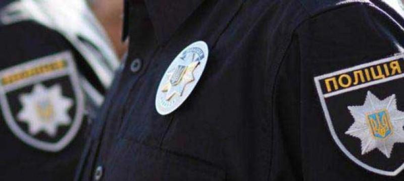Пьяный житель Херсонщины с револьвером ограбил два магазина