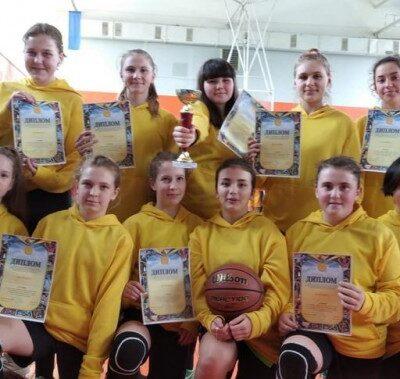 Голопристанські школярки стали найкращими баскетболістками області