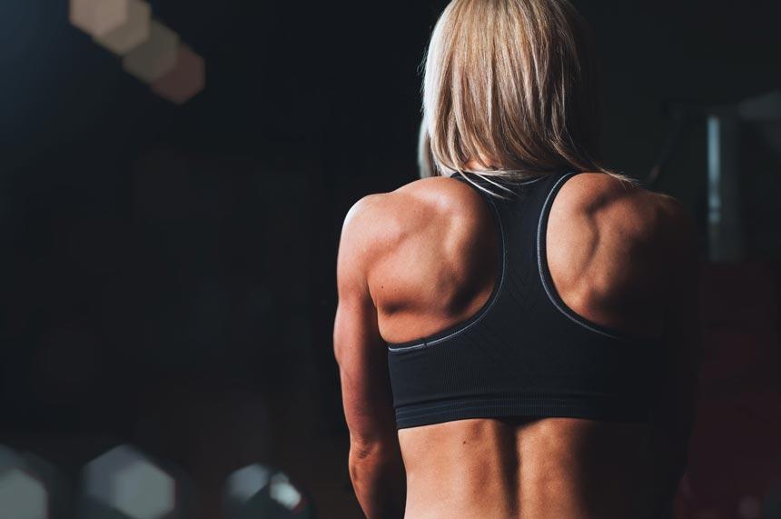 Польза и вред спортивного питания. Стоит ли употреблять пищевые добавки?